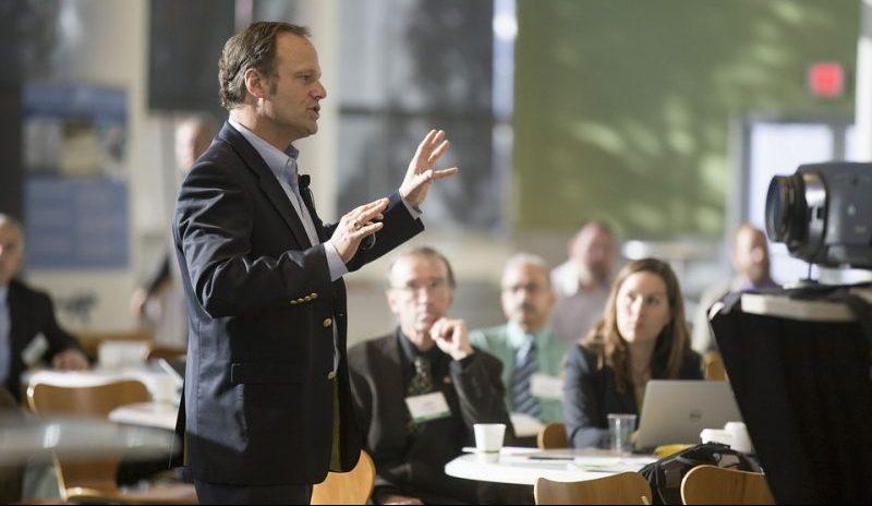 Как научиться выступать перед публикой?