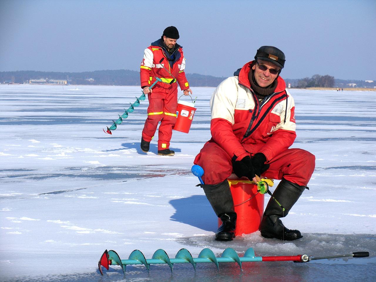 Вас позвали на зимнюю рыбалку — что взять и как одеться ?